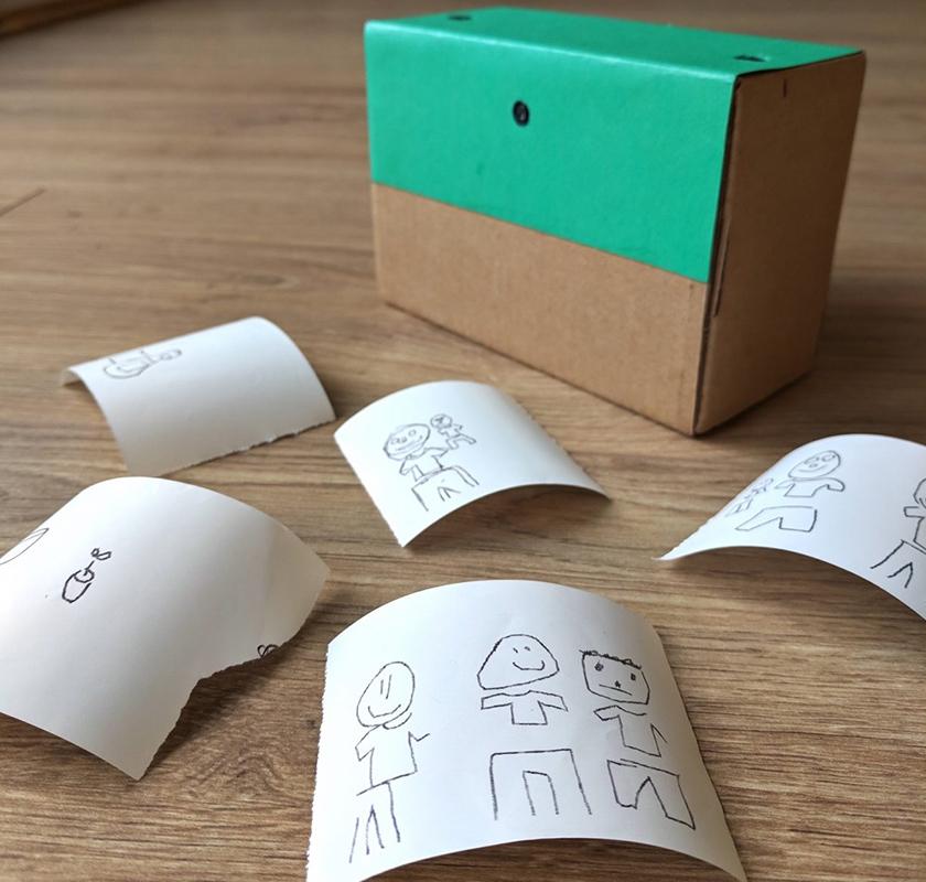 Камера миттєвого друку перетворює фото в дитячі малюнки