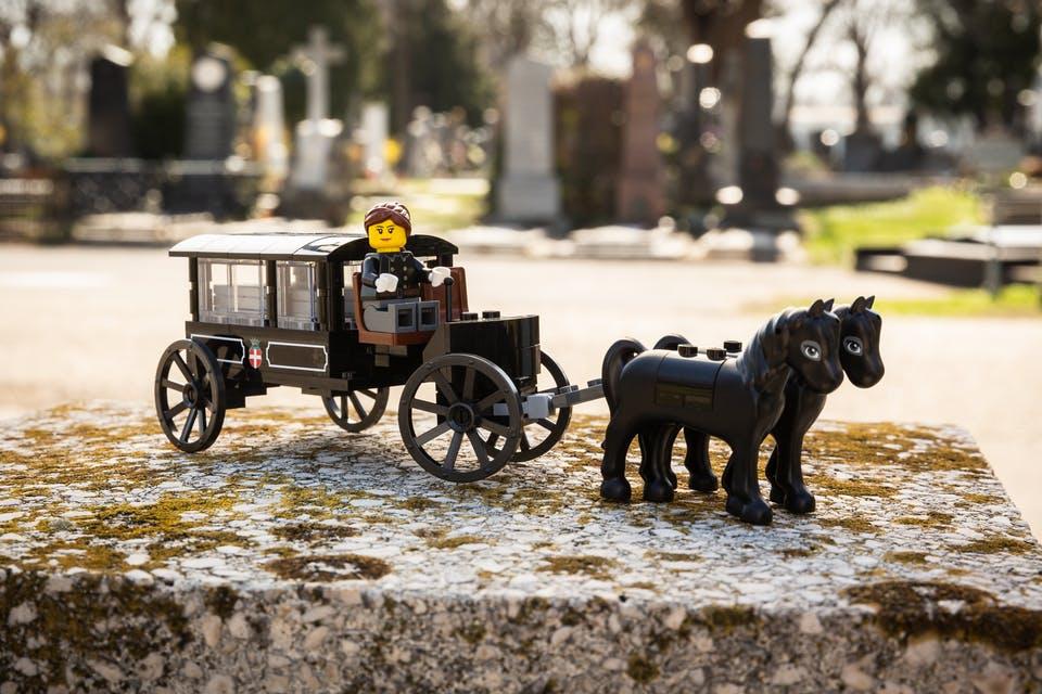 Лего кладовище2