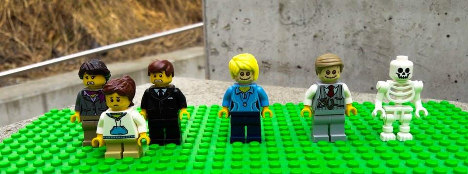 Лего кладовище